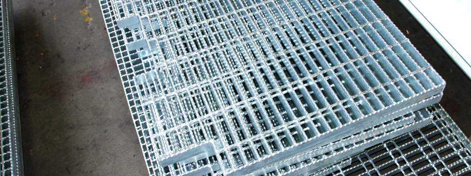 Galvanized_Steel_Grating_NYC – Steel_Suppliers_Galvanized_Bar_Grating_products_in_NY - Custom_Steel_Fabricators_NYC