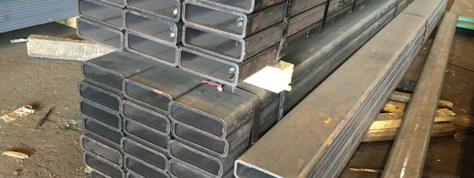 Structural_Steel_Tubing_Suppliers_in_NYC - Trusted_Steel_Fabricators_serving_NYC - Metal_Suppliers_Rectangular_Tubing